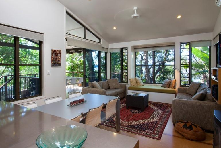 "Deluxe Lakehouse ""Buena Vista"", Eumarella Shores Noosa Lake Retreat, Sunshine Coast"