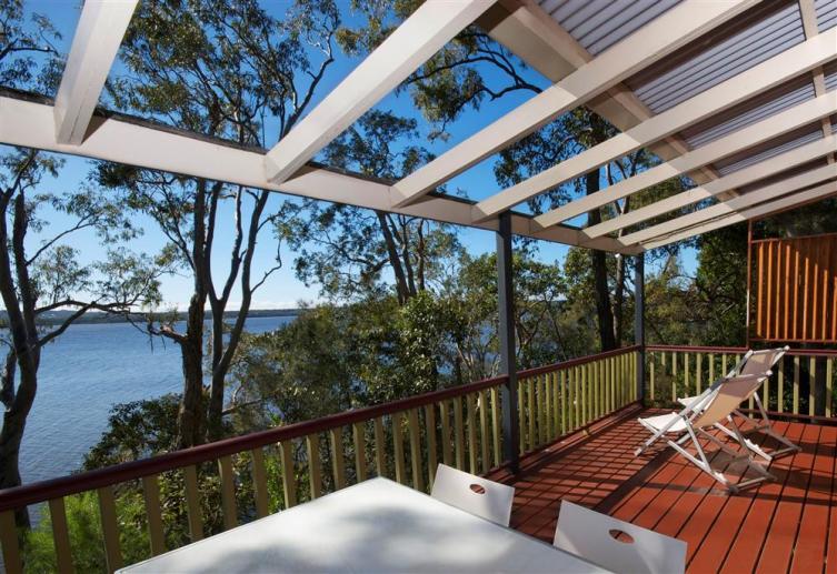 "Deluxe Cottage ""Cormorant"", Eumarella Shores Noosa Lake Retreat, Sunshine Coast"