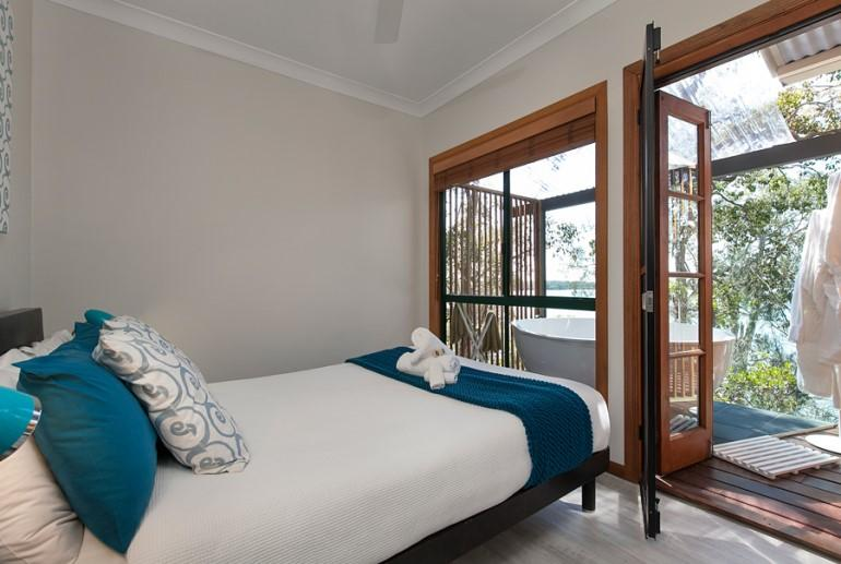"Deluxe Cottage ""Cormorant"", Eumarella Shores Noosa Lake Retreat, Sunshine Coast"