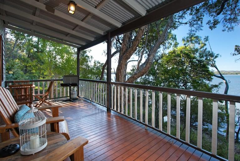 "Deluxe Cottage ""Treetops"", Eumarella Shores Noosa Lake Retreat, Sunshine Coast"