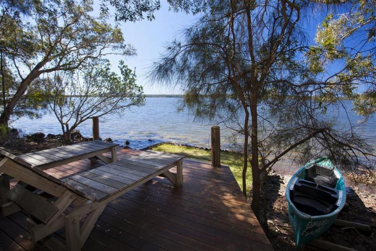 "Lakehouse ""Studio"", Eumarella Shores Noosa Lake Retreat, Sunshine Coast"
