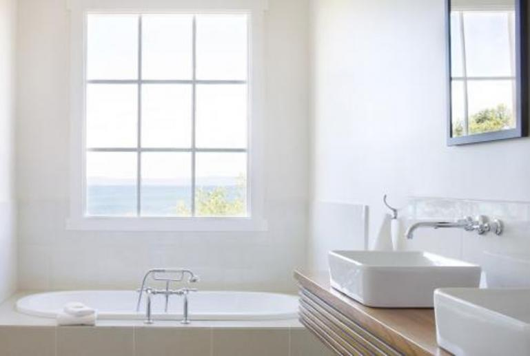 Deluxe Spa Suite, Piermont Retreat, Swansea, East Coast, Tasmania