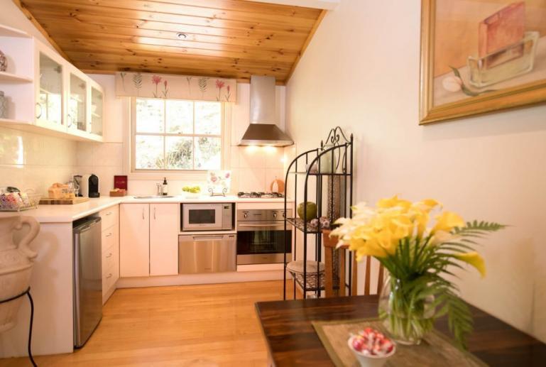 Silverbrook Cottage, Myers Creek Cascades, Healesville, Yarra Valley