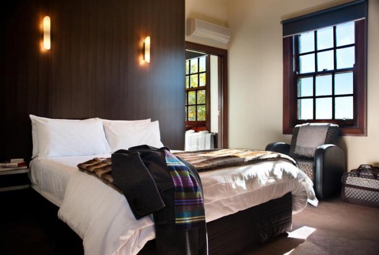 Peppers Classic Room, Peppers Mineral Springs Retreat, Hepburn Springs, Victoria