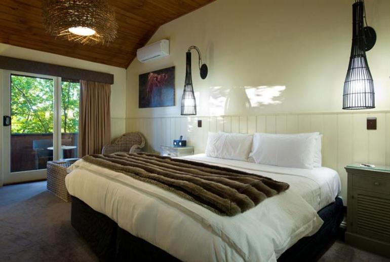Peppers Superior Spa Room, Peppers Mineral Springs Retreat, Hepburn Springs, Victoria