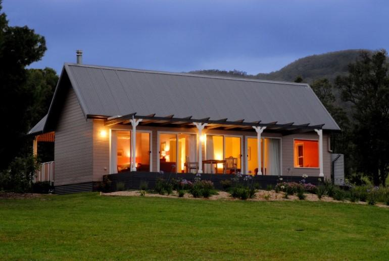 Jolly Jumbuk Cottage, Crystal Creek Meadows, Kangaroo Valley, NSW
