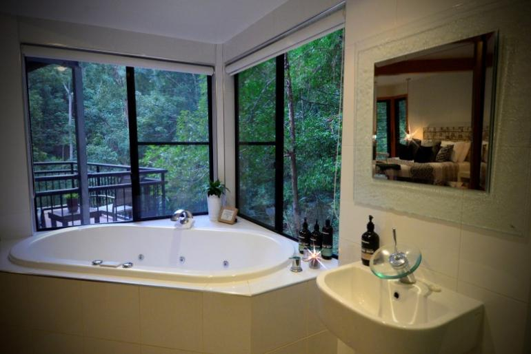 Hideaway Chalet, EcOasis Resort, Tweed Hinterland, NSW