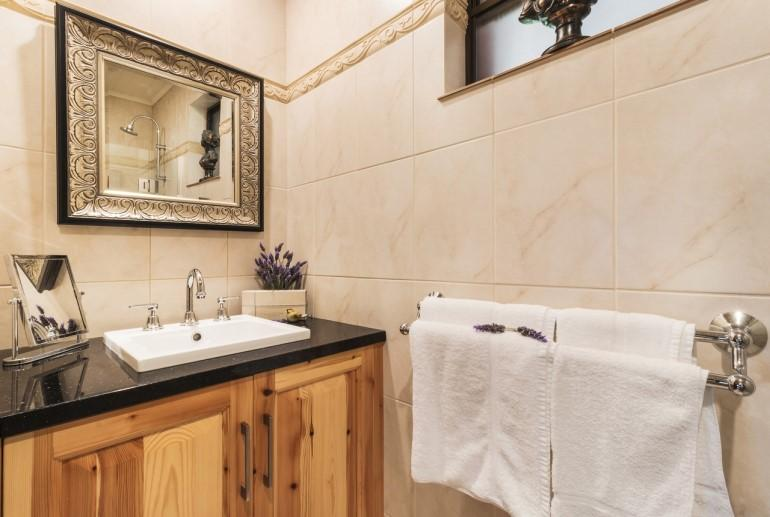 Haven Spa Suite, Stonewell Cottages, Barossa Valley