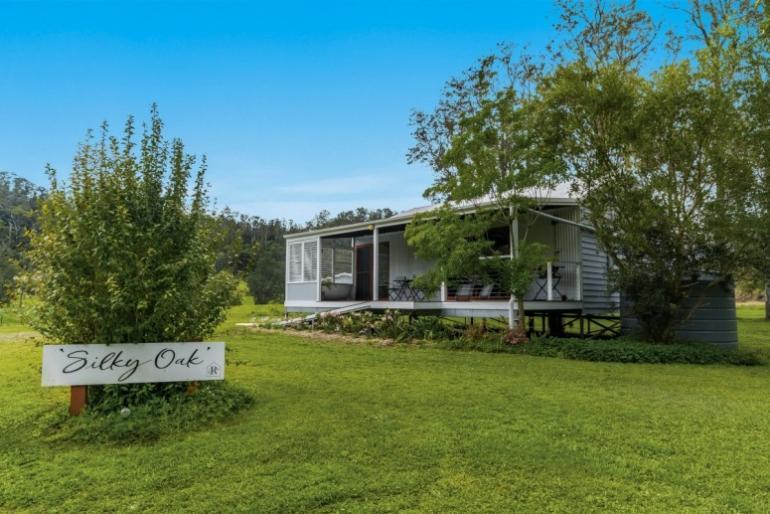 Silky Oak Cabin, Ripples on the Creek, Grady's Creek, NSW